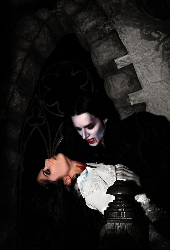 a22b36ab dans fond ecran vampire couple