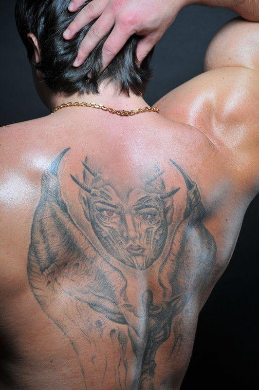 a4b34c4d dans beau tatouage